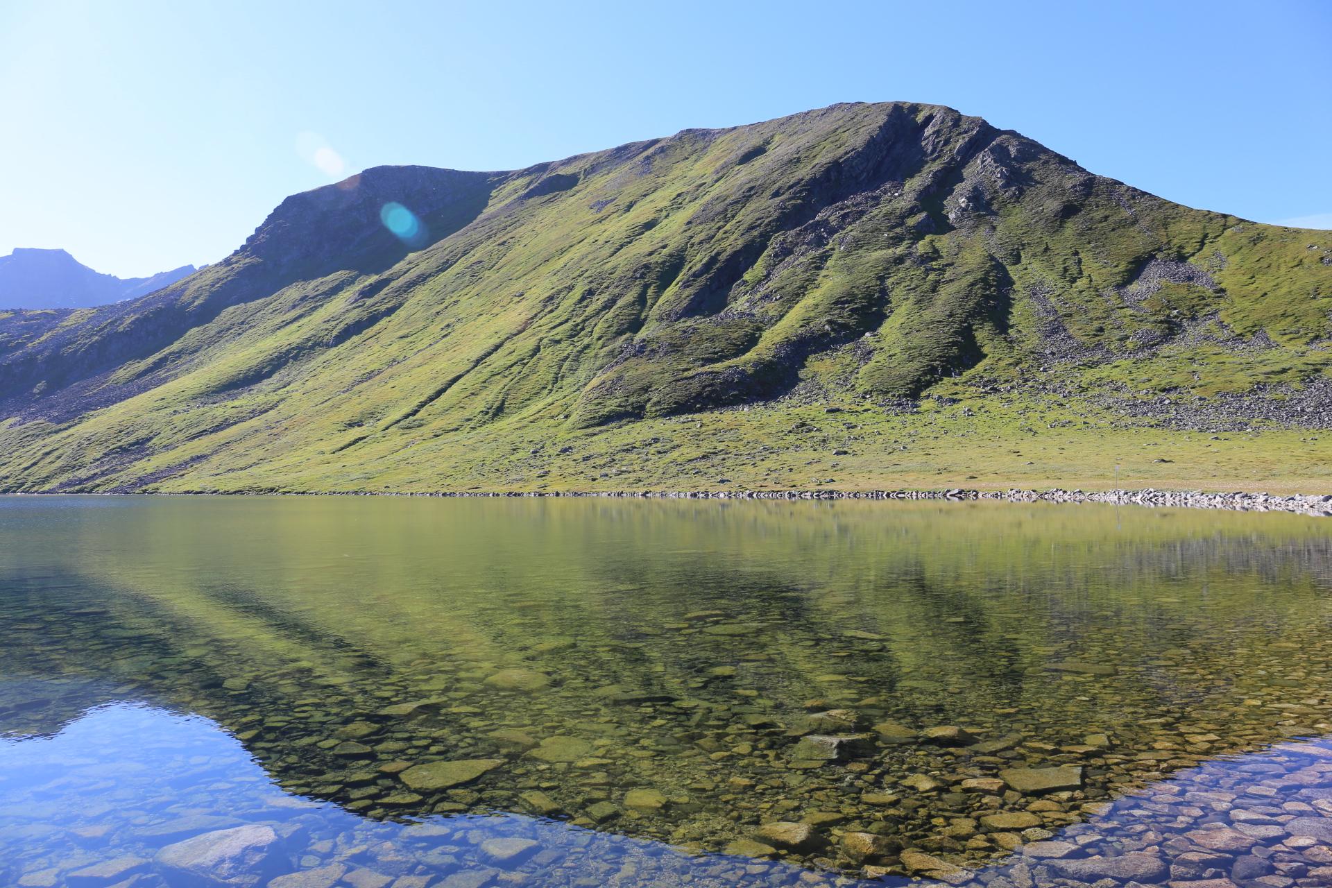 Sjö vid Middagsfjellet
